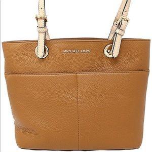 e9701d786 Women Michael Kors Bedford Shoulder Bag on Poshmark